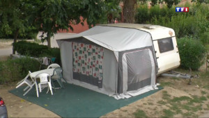 Le 13 heures du 15 juillet 2014 : Camping : mobil-home ou caravane, les vacanciers ont fait leur choix - 1272.812