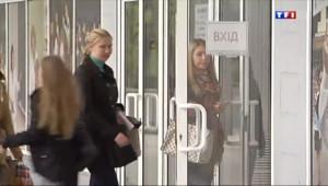 Le 20 heures du 20 avril 2014 : Ukraine : l%u2019usage de la langue russe au c%u0153ur des d�ts - 1128.5374844360351