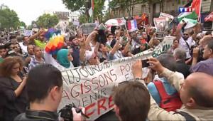Le 20 heures du 23 juillet 2014 : Manifestations pro-palestiniennes : le cort� sous haute surveillance - 396.531