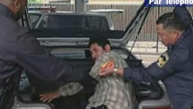 TF1/LCI Un clandestin caché dans le coffre d'une voiture