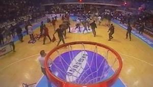 TF1/LCI : Un match de basket qui tourne à l'empoignade entre supporters