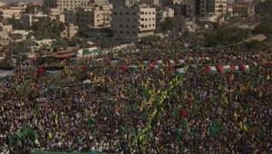 Foule à Gaza pour acccueillir les prisonniers palestiniens libérés par Israël en échange du soldat Shalit (18/10/11)