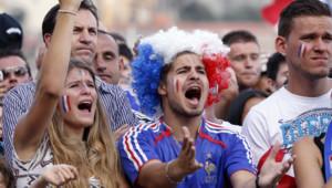 France-Allemagne : déception des supporters français suite à la défaite de la France en quarts de finale, Rio de Janeiro 4 juillet 2014