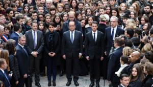 François Hollande et Manuel Valls se figent pour la minute de silence après les attentats du 13 novembre