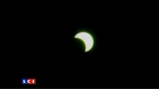 Eclipse totale du soleil dans le Pacifique Sud