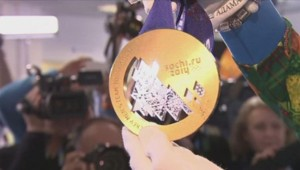 La médaille d'or des jeux olympiques de Sotchi.