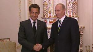 Nicolas Sarkozy et Vladimir Poutine lors d'une conférence de presse le 10 octobre 2007