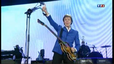 Paul McCartney enflamme Bercy