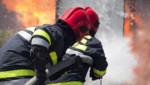 Des pompiers en train d'éteindre un incendie. (Image d'illustration)
