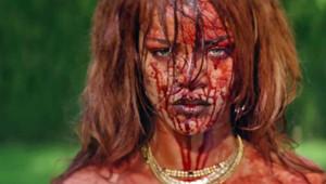 Rihanna dans le clip Bitch Better Have My Money