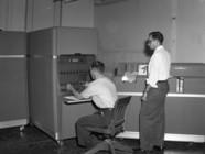 Un IBM 650 dans les locaux de la société Texas A&M (1955)