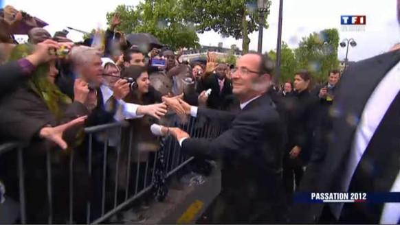 Bain de foule à l'Arc de Triomphe pour François Hollande