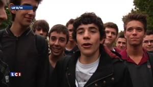 Quand François Hollande signe le mot d'absence d'un jeune lycéen