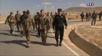 Les derniers combattants français viennent de quitter l'Afghanistan. Nos troupes ne se battent plus sur place mais forment la relève. Une mission qui comporte des risques.