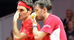 Roger Federer et Stanislas Wawrinka lors du double de la finale de la Coupe Davis 2014 face à Julien Benneteau et Richad Gasquet, le 22 novembre 2014 à Lille.