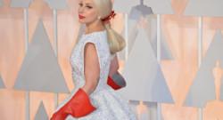 Lady Gaga sur le tapis rouge des Oscars 2015