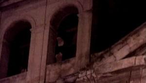 Chaque soir, des centaines de pèlerins se rendent à l'église de Santa Maria pour voir l'image d'une nonne les mains jointes en prière.