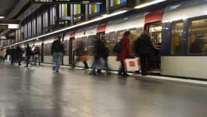 Un train de banlieue (Illustration).