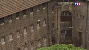 Le 20 heures du 4 août 2014 : Visite de la prison (presque vide) de la Sant�- 794.761