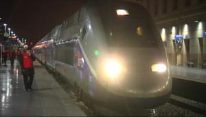 Un TGV à quai à la gare Montparnasse, à Paris