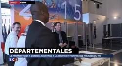 Départementales : Manuel Valls a voté dans son bureau d'Evry