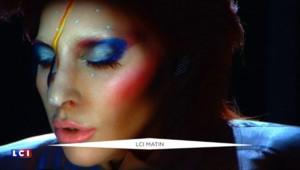 Grammy Awards : Lady Gaga transformée en David Bowie
