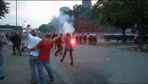 Heurts entre supporteurs polonais et russes avant le match de l'Euro-2012 le 12 juin 2012