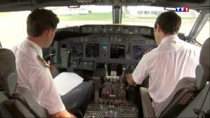 Le 20 heures du 16 juin 2015 : Bras de fer entre Air France et le syndicat de pilotes : la direction saisit la justice - 1140