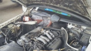 Espagne : un migrant retrouvé dans le moteur d'une Mercedes, un autre sous un siège