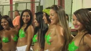 Des danseuses préparant le carnaval de Rio de Janeiro.