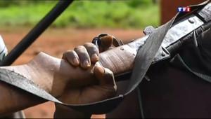 Le 20 heures du 13 octobre 2013 : REPORTAGE. La Centrafrique d�ir�par un conflit religieux - 580.6990000000001