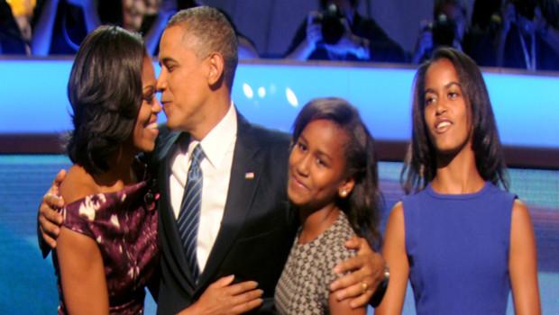 Barack et Michelle Obama avec leurs deux filles lors de la Convention Démocrate 2012 à Charlotte, le 6 septembre 2012