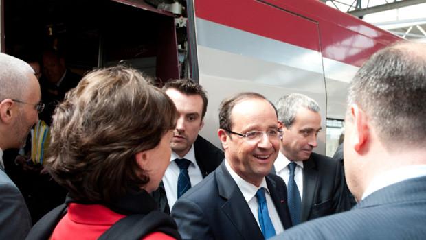 François Hollande à son arrivée en gare de Bruxelles le 23 mai 2012.