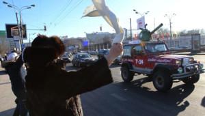 """Manifestants """"en automobile"""" à Moscou contre Vladimir Poutine et pour des élections libres (29/01/2012)"""
