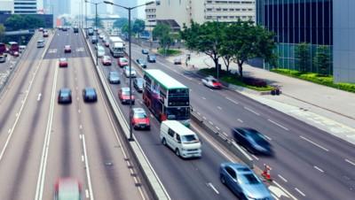 route ville trafic bus car voiture prétexte embouteillage
