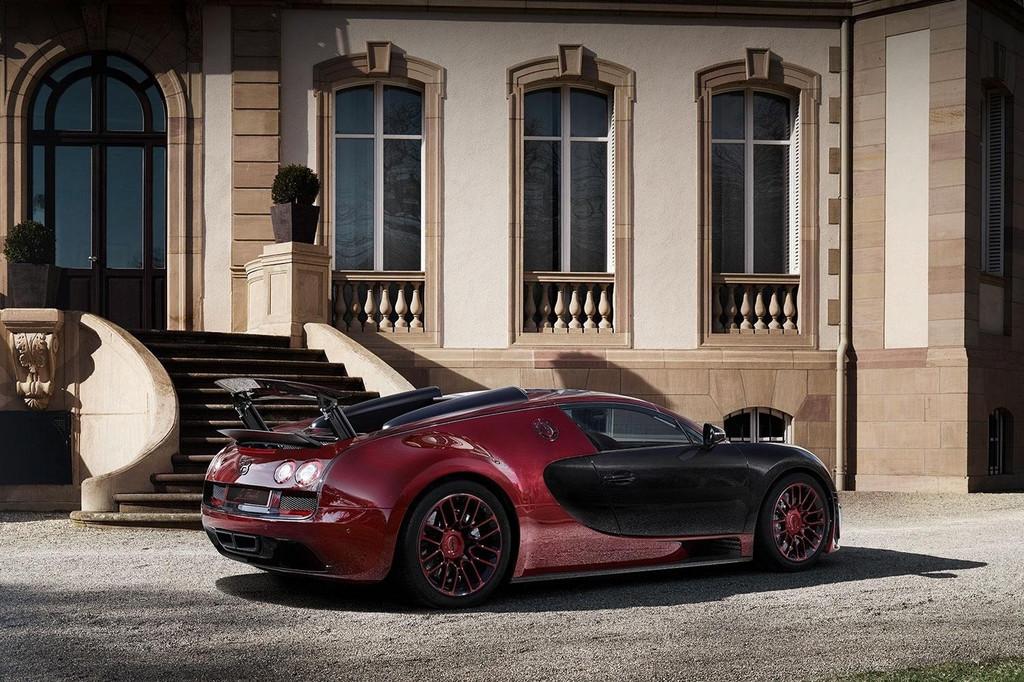 bugatti-veyron-grand-sport-vitesse-la-finale-2015-04-11370189pntdr