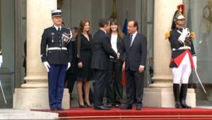 La passation entre Sarkozy et Hollande décryptée