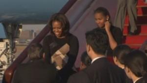 Michelle Obama et sa fille cadette Sasha à leur arrivée à Pékin le 20 mars 2014.