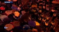 Hong Kong : la Révolution des parapluies grossit