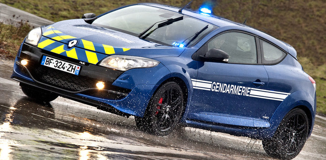 Photo Renault Mégane RS equipement gendarmerie - blog auto