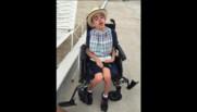 Charles souffre d'une mucopolysaccharidose, une maladie génétique qui provoque une dégénérescence nerveuse progressive.