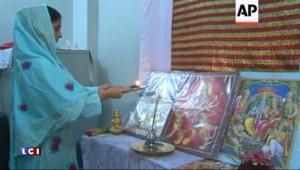10 ans après s'être égarée, Geeta, sourde et muette, revient enfin en Inde
