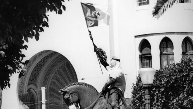 Archives : joie à Alger le 5 juillet 1962, jour de l'indépendance