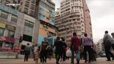 """Hong Kong, la ville où les pauvres vivent dans des """"cercueils"""""""