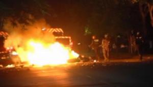 Nouvelle nuit de violences à La Réunion, le 23 février 2012.