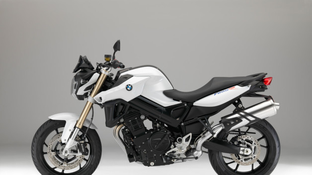 photos automoto la bmw f 800 r 2015 en photos officielles mytf1. Black Bedroom Furniture Sets. Home Design Ideas