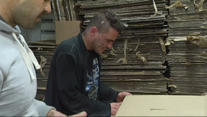 Le 13 heures du 3 janvier 2015 : Le recyclage du carton, filière de réinsertion - 1449.84