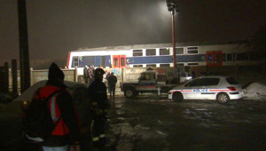 RER bloqué après un déraillement à Choisy-le-Roy (20 décembre 2009)