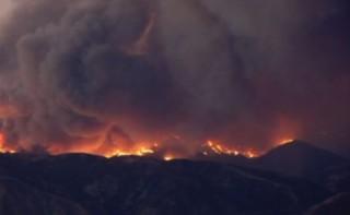 Californie : des feux gigantesques ravagent des hectares de végétation