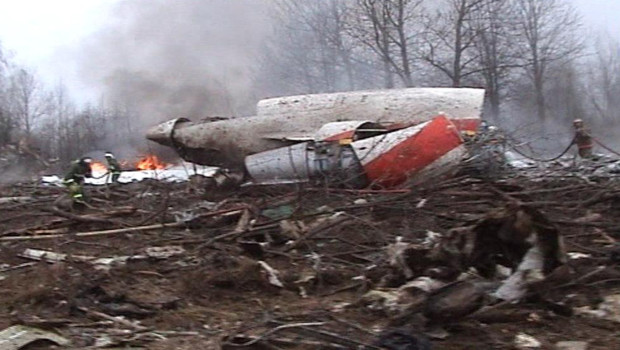 http://s.tf1.fr/mmdia/i/19/7/l-avion-du-president-polonais-qui-s-est-ecrase-en-russie-le-10-avril-4396197smbdw_1713.jpg?v=1